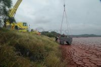 50 Tonne Crane Lifts Amphirol onto Bauxite Tailings